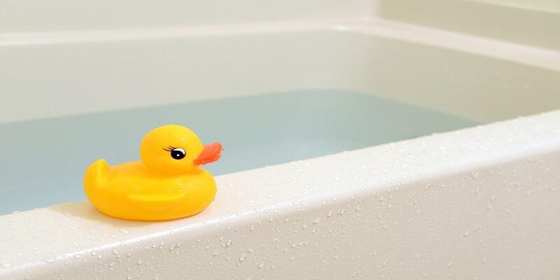 鋳物ホーロー浴槽と一般的な浴槽の違い